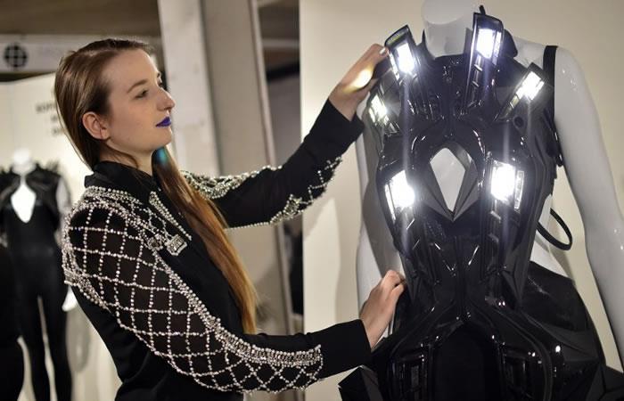 La Moda Tech se descubre en Milán con sensores y robots