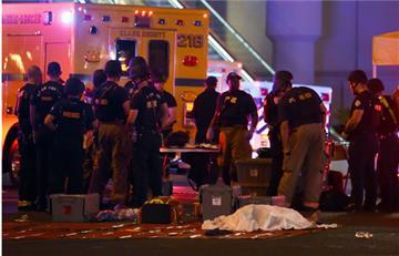 Homicida de Las Vegas tenía al menos 8 armas en su cuarto de hotel