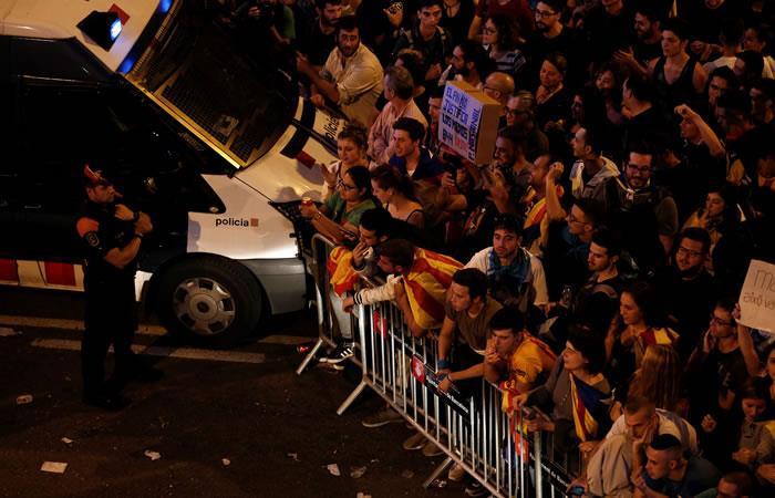La jornada del domingo dejó varios centenares de heridos, además en Cataluña no cayó nada bien el discurso del rey.. Foto. AFP