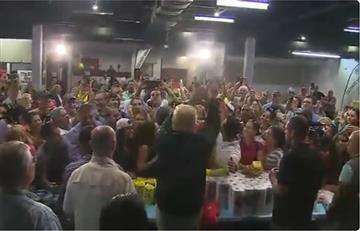 Trump arrojó papel higiénico a las víctimas del huracán en Puerto Rico