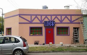 En Argentina convirtieron una casa en la Taberna de Moe de los Simpson