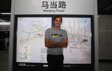 Federer asombra luego de usar el metro en Shanghái