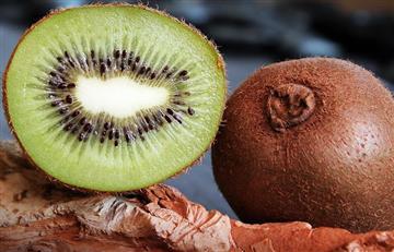 5 razones por las cuales debes comer la cáscara del kiwi
