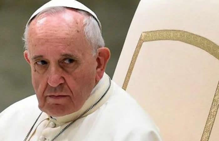 Papa Francisco fue plantado por convictos que se fugaron