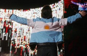 Rusia 2018: U2 paró su concierto para emitir la clasificación de Argentina
