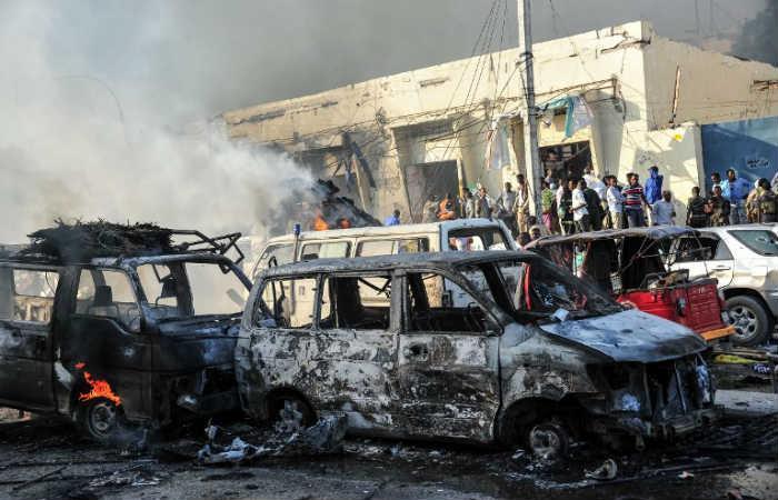 Carro bomba en Somalia deja al menos 20 muertos