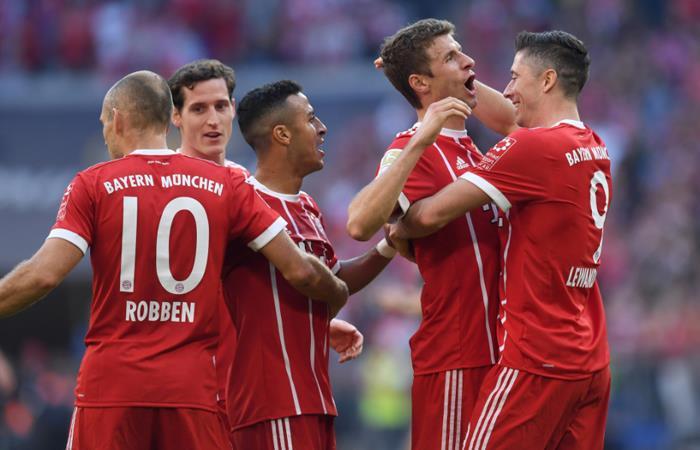 Bayern Múnich mete tremenda goleada al Friburgo sin James Rodríguez