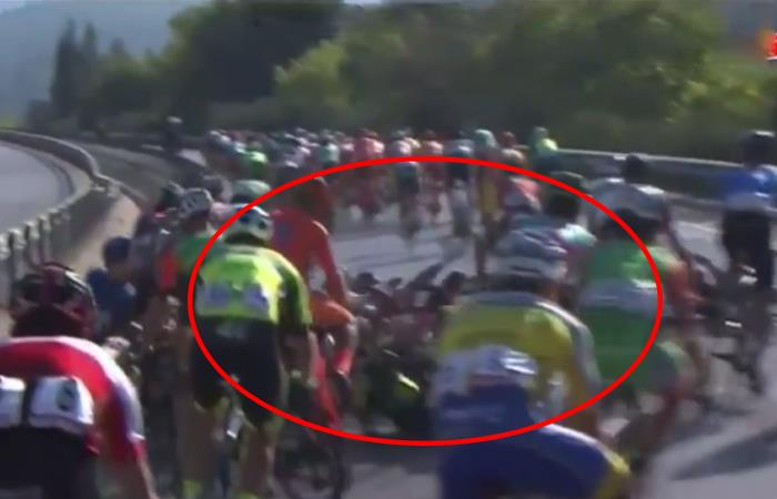 Tour de Turquía tuvo una masiva caída en la cola del pelotón