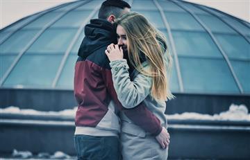 7 señales de que la ex novia de tu pareja aún pertenece a su presente
