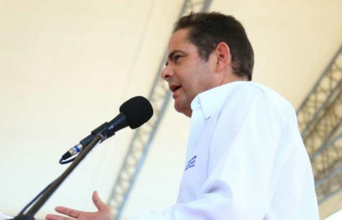 Vargas Lleras está abierto a dialogar con Álvaro Uribe