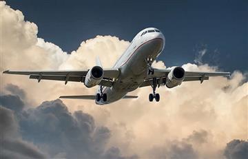 Suspenden vuelo porque una anciana tiró monedas al motor del avión