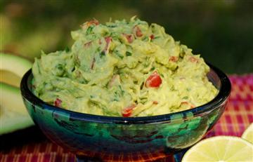 ¿Cómo preparar guacamole colombiano?