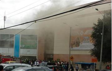 Bogotá: Bomberos controlan incendio en el centro comercial Cedritos