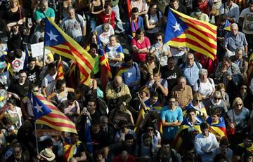 Parlamento de Cataluña declara la independencia