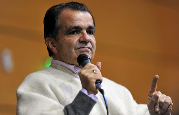Procuraduría pide revocar decisión del CNE que favorece a Zuluaga