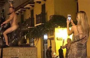 Cartagena: Turista desnudo se tomó una foto sobre una escultura de Botero