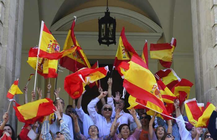 Catalanes marchan a favor de la unidad de España