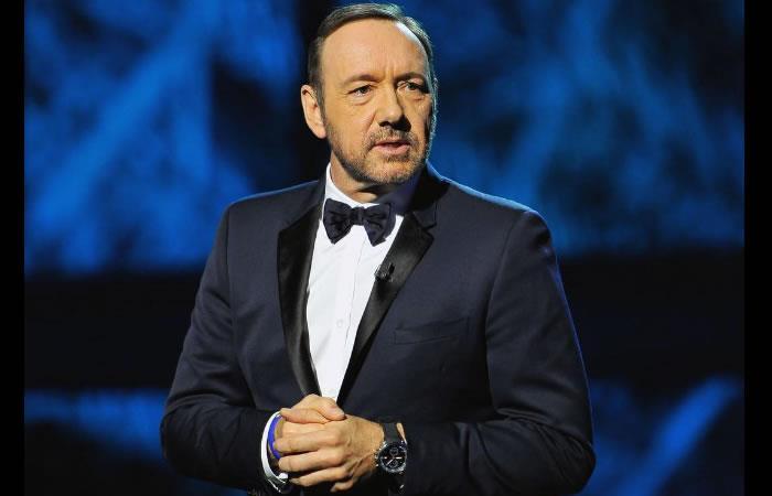 Kevin Spacey reveló que es gay y pidió disculpas por acoso sexual