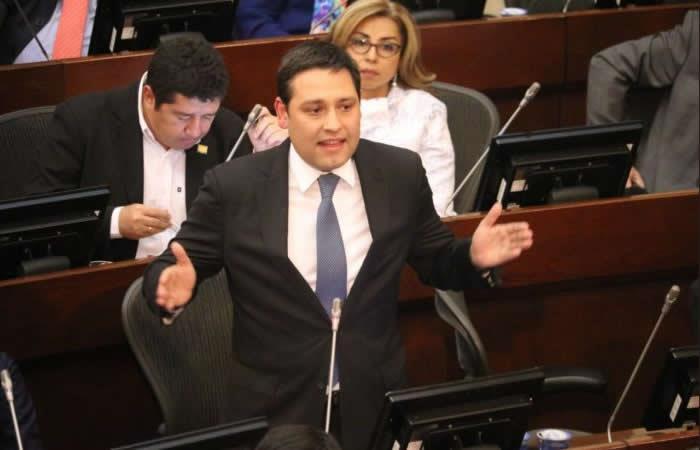 Las tierras que el senador Lizcano se apropió y eran de víctimas