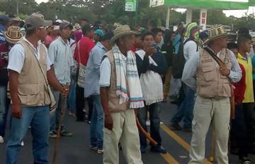 Minga indígena deja doce polícias heridos y un detenido