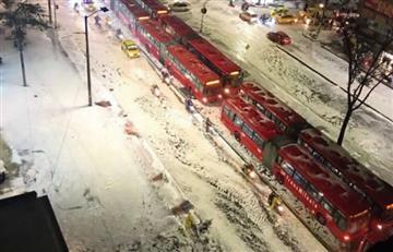 Calles de Bogotá cubiertas de hielo tras fuerte granizada