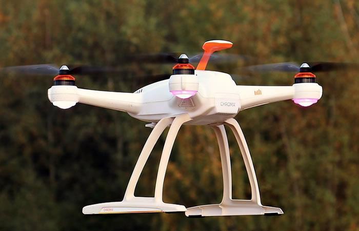 Encarcelan a hombre por enviar drogas y celulares por dron a cárcel