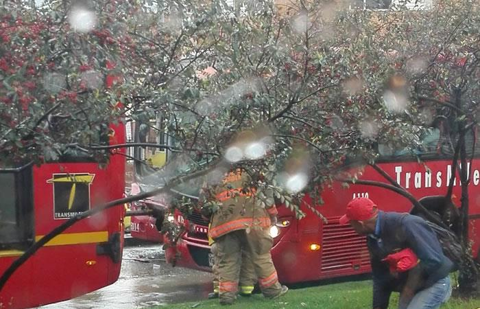TransMilenio: Accidente entre dos buses del sistema deja 30 heridos