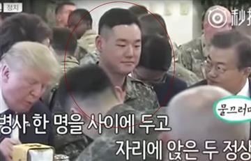 Video: La incómoda cena de un soldado surcoreano junto a Trump