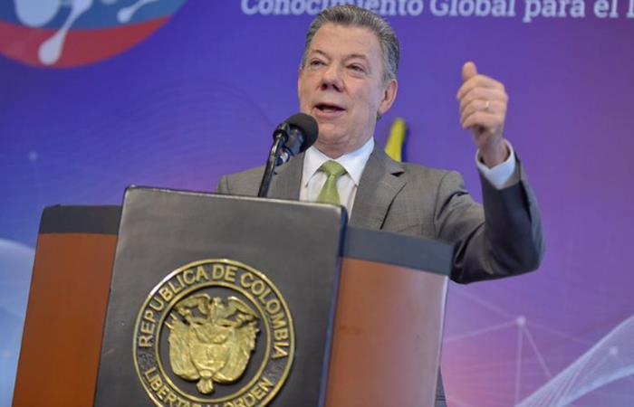 Santos recibió premio en Londres por su defensa al medio ambiente