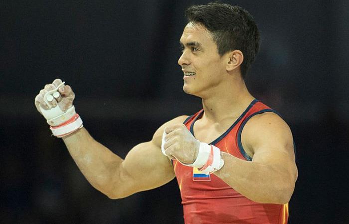 Jossimar Calvo ratifica su gran momento y pone a Colombia en lo más alto