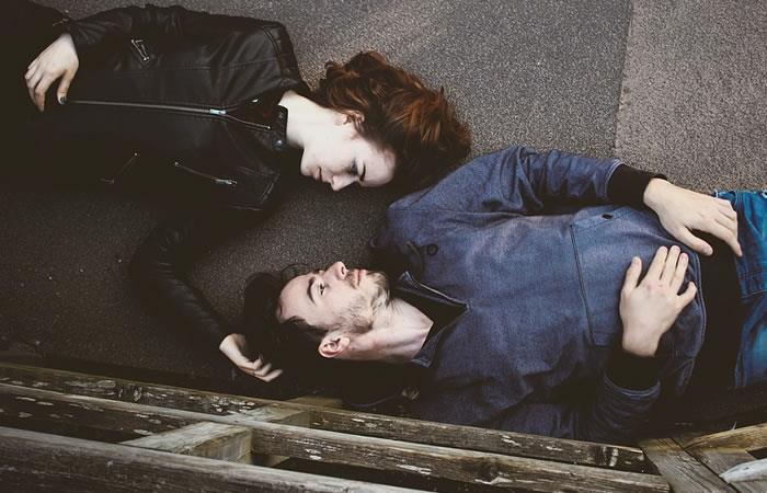 La tendencia que tiene a las parejas durmiendo en cuartos separados