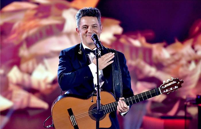 Latin Grammy: Alejandro Sanz entre lágrimas tras sentido homenaje
