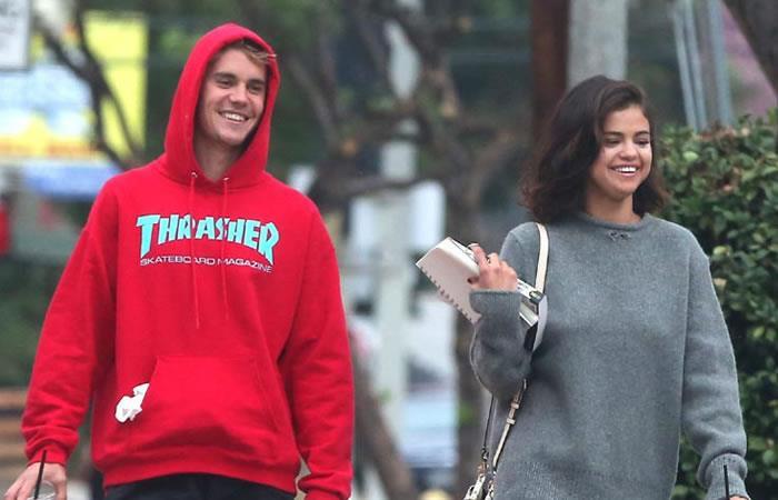 Selena Gómez y Justin Bieber confirman que son pareja