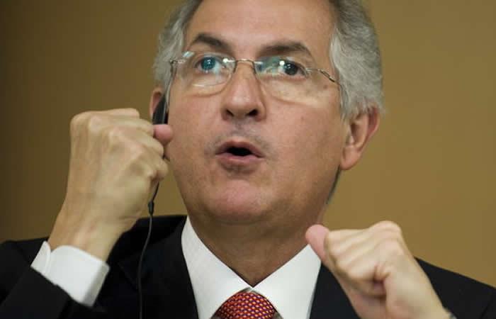 Antonio Ledezma huyó de Venezuela