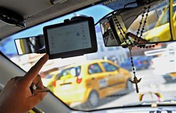 Video: Taxista de Bogotá graba abusivamente a pasajera en minifalda
