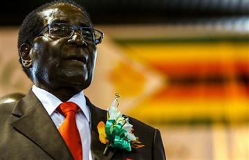 Zimbabue: Mugabe tiene hasta el lunes para dejar la presidencia