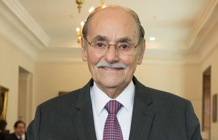 Escándalo de corrupción pone a tambalear a Horacio Serpa