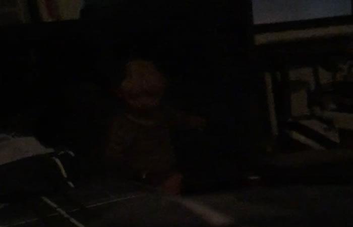 Video: Hombre logra registrar a entidad paranormal que lo vigila