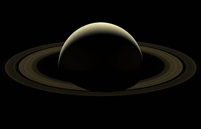 NASA: Impresionante fotografía de Saturno en su despedida