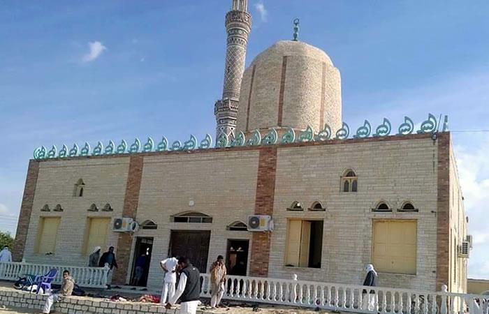 305 personas muertas y 27 de ellos niños deja el ataque a mezquita en Egipto