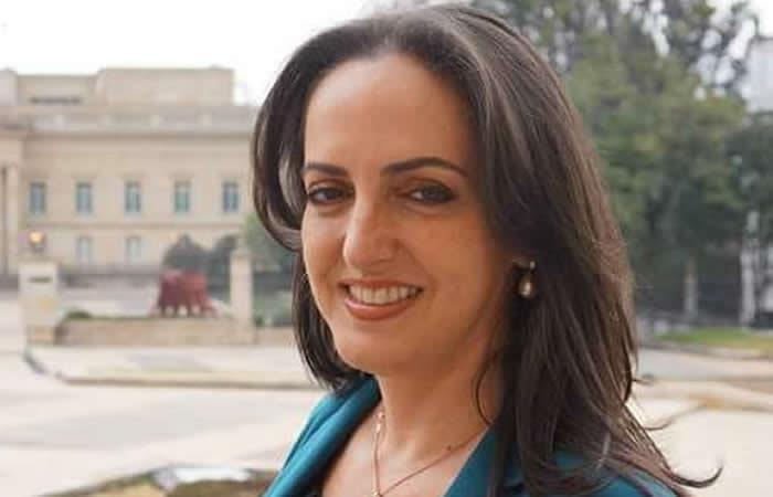 María Fernanda Cabal: La masacre de las bananeras es un mito