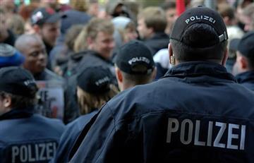 Policía alemana halla artefacto explosivo en mercado navideño