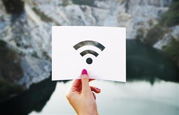 ¿Cómo funciona el WiFi en los aviones?