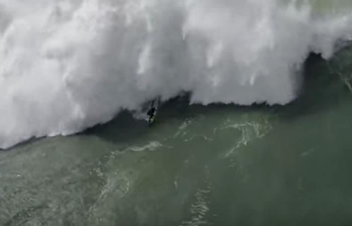 Video: Dron graba alarmante rescate de dos surfistas