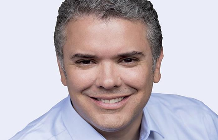 Iván Duque irá por la presidencia por el Uribismo