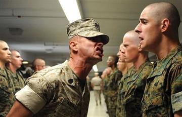 Jueza de EE.UU. frena a Trump y abre el camino para que transgénero se enlisten al ejército