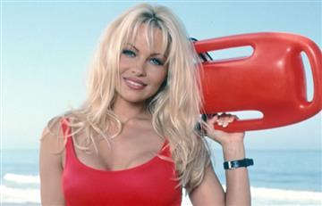 Pamela Anderson a sus 50 años calienta las redes usando lencería