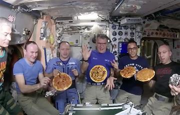 Astronautas preparan las primeras pizzas en el espacio