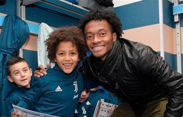 Juventus y Cuadrado compartieron la navidad con niños
