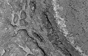 NASA comparte extraña imagen 'deformada' de Marte